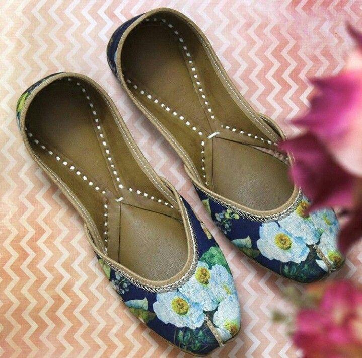 Manidrehar  Punjabi Jutti  Punjabi Suits, Footwear -7715
