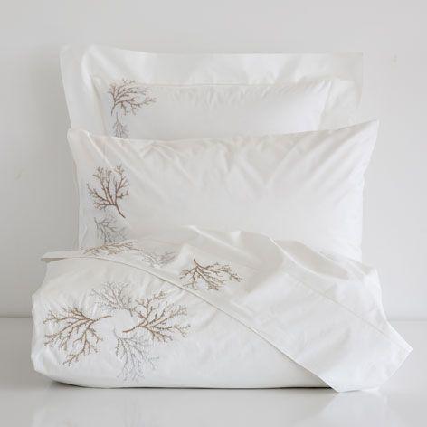 linge de lit percale broderie corail linge de lit lit. Black Bedroom Furniture Sets. Home Design Ideas