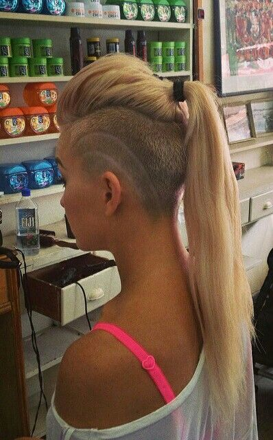 Wow I Have The Undercut But My Hair Is Shorter Shaved Hair Half Shaved Hair Undercut Long Hair