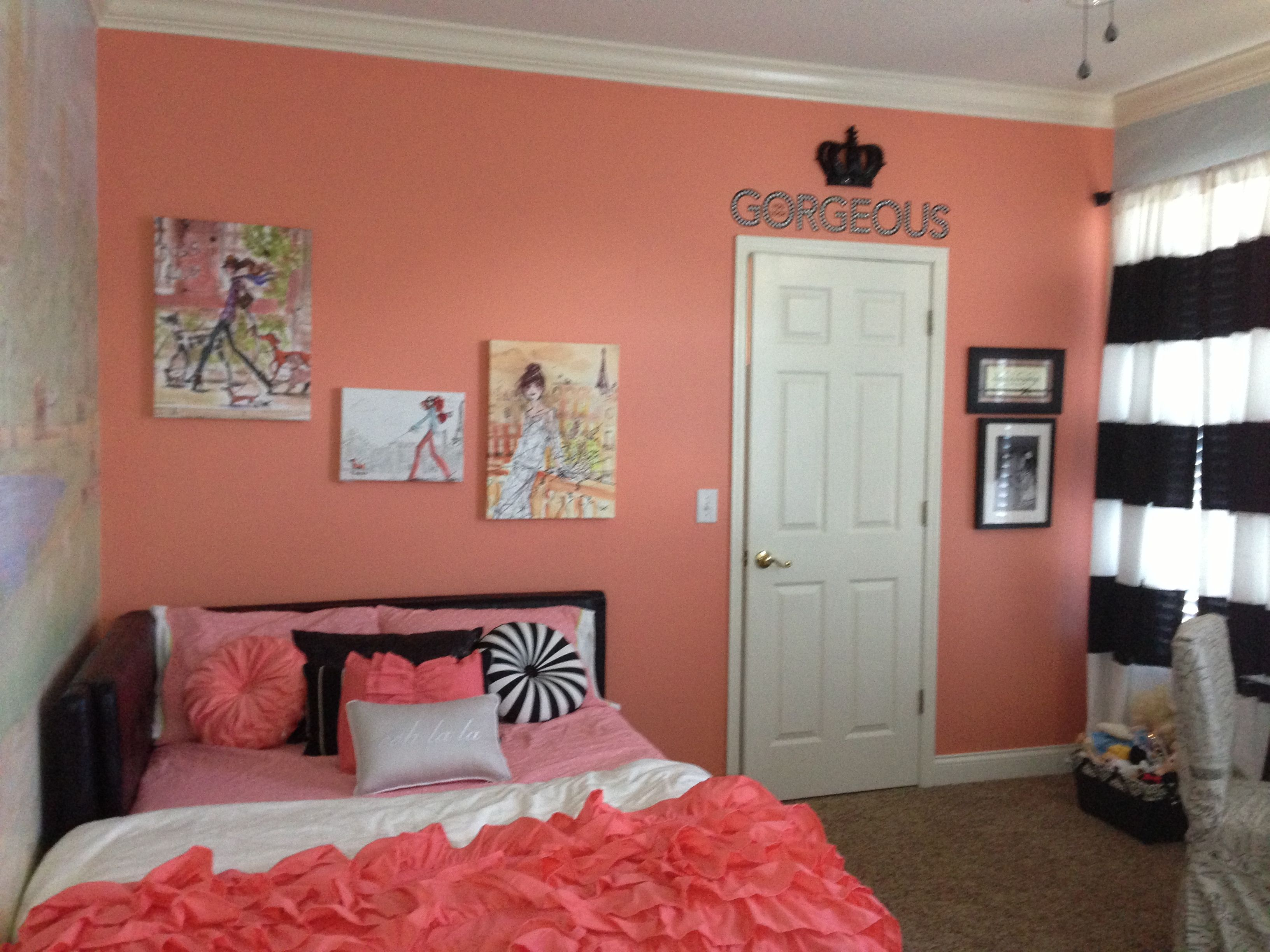 Black coral coral room decor google search girls room for Coral walls living room