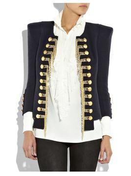 Image issue du site Web http://www.clothes-fashion.com/wp-content/uploads/2010/07/21/Balmain-Silk-blend-tweed-military-jacket2.jpg