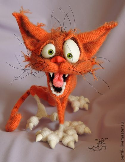 Amazing crochet cat! LOLOL ok, yes amazing..but hysterical also. Laughing so hard my belly hurts!! ~tn #catsfunnylaughingsohard