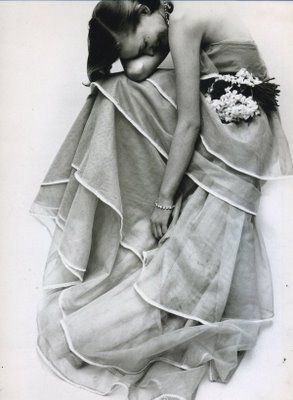 Fascinatingly beautiful Norman Parkinson fashion photo for Vogue, March 1951...