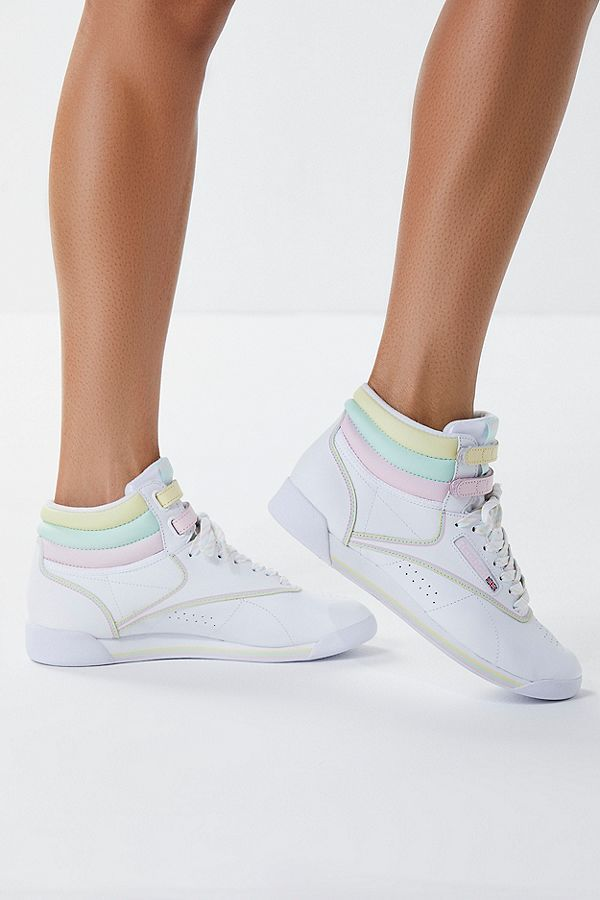 Reebok Basket X GLOW Freestyle Hi Pastel Basket Reebok in 2018 glamour 4e52dd