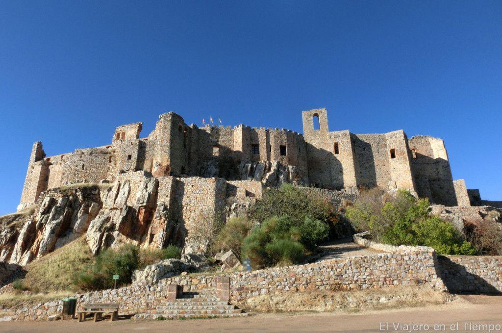 Los 65 Castillos Más Bonitos De España Tourismaniac En 2020 Castillos Arquitectura Militar Castillo De Molina