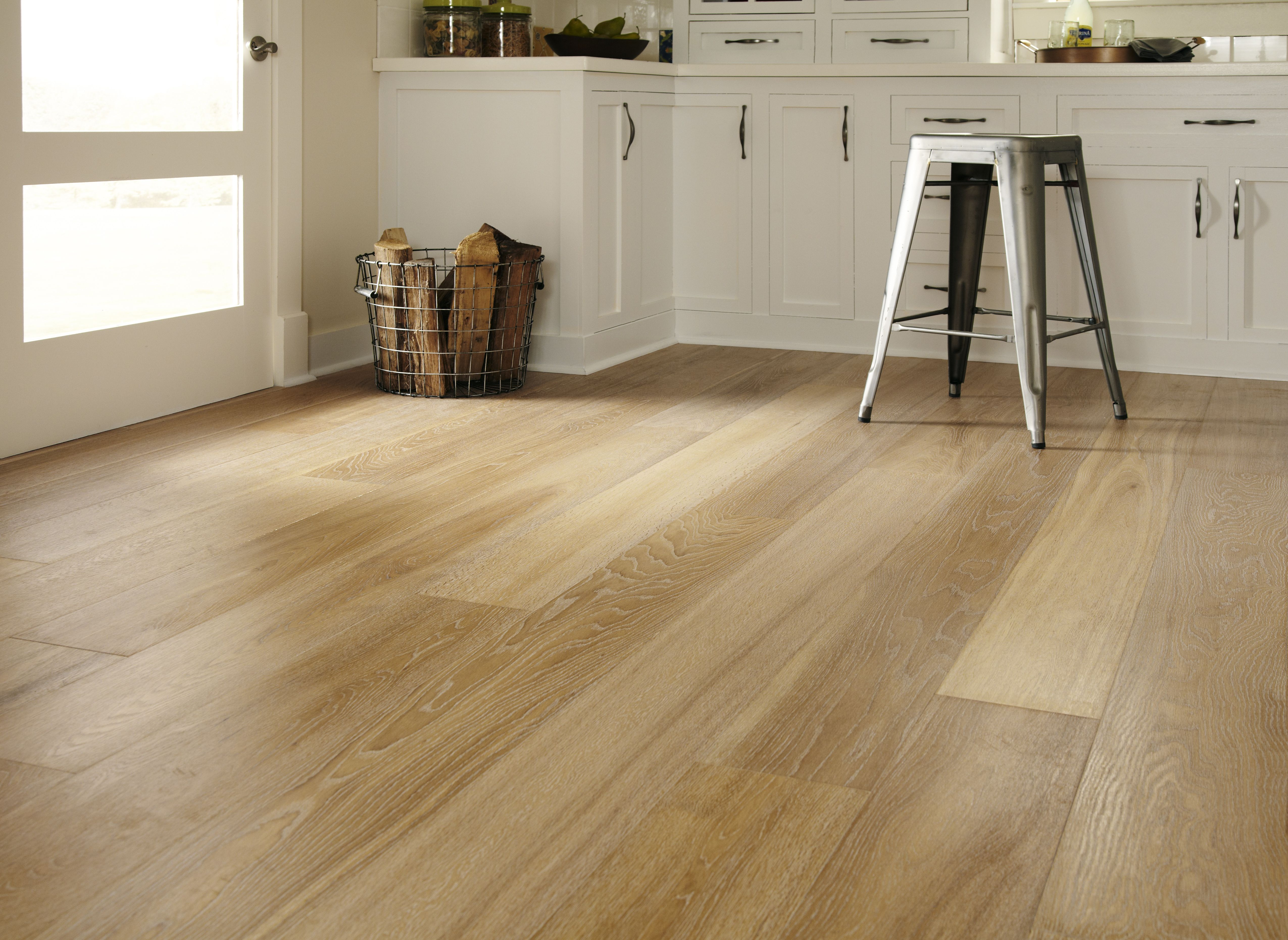 Montage European Oak S Vintage Hardwood Flooring Captures