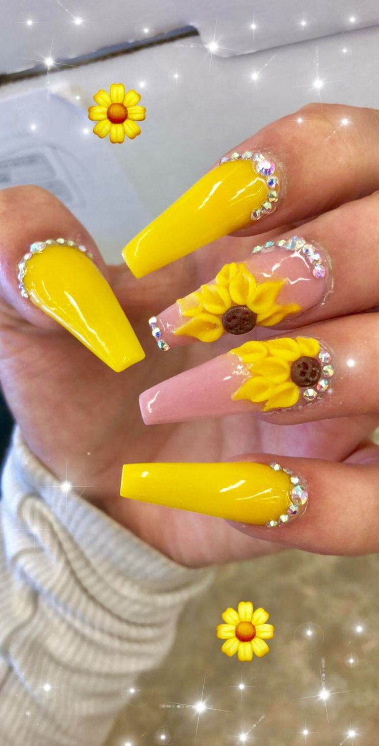 Pin By Xiiiiomaraa Jaieee On Nailzxxz Yellow Nails Yellow Nail Art Cute Nails