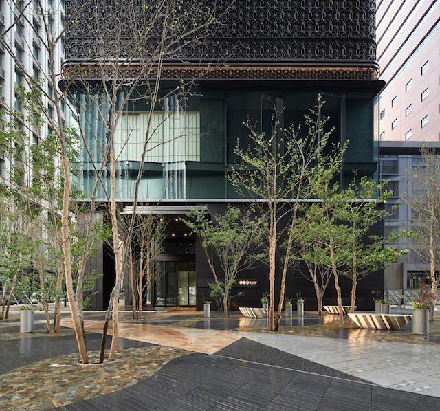 江戸時代に大名屋敷が立ち並んだ大手町と、与力や同心の組屋敷が立ち並んだ八丁堀という、東京駅近くの好立地にコンセプトが全く異なる2つの宿泊施設が7月に相次いでオープンする。 星野リゾートは7月20日、東京・大手町に温泉付きの日本旅館「星の...