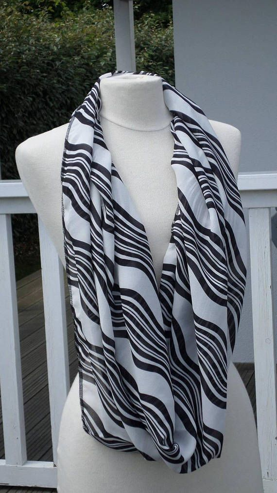 Snood scarf neck scarf woman black and white   snood femme   Echarpe ... c7c7cb627c0