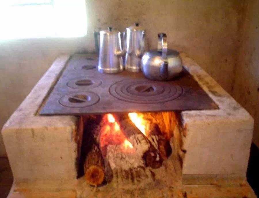 Cocina a le a d arquitectura pinterest cocinas for Cocinas economicas de lena antiguas