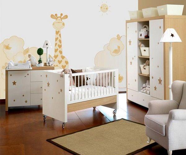 La girafe est très tendance dans la décoration de chambre bébé