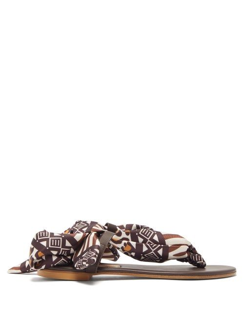 Avec Modération - These brown Curacao sandals are a testament to Avec Modération's confident attitude. They have leopard and geometric-printed silk-twill straps that fasten at the back and are set on smooth-leather insoles – all crafted expertly in Italy. Wear them with a curated edit to highlight the original shape.