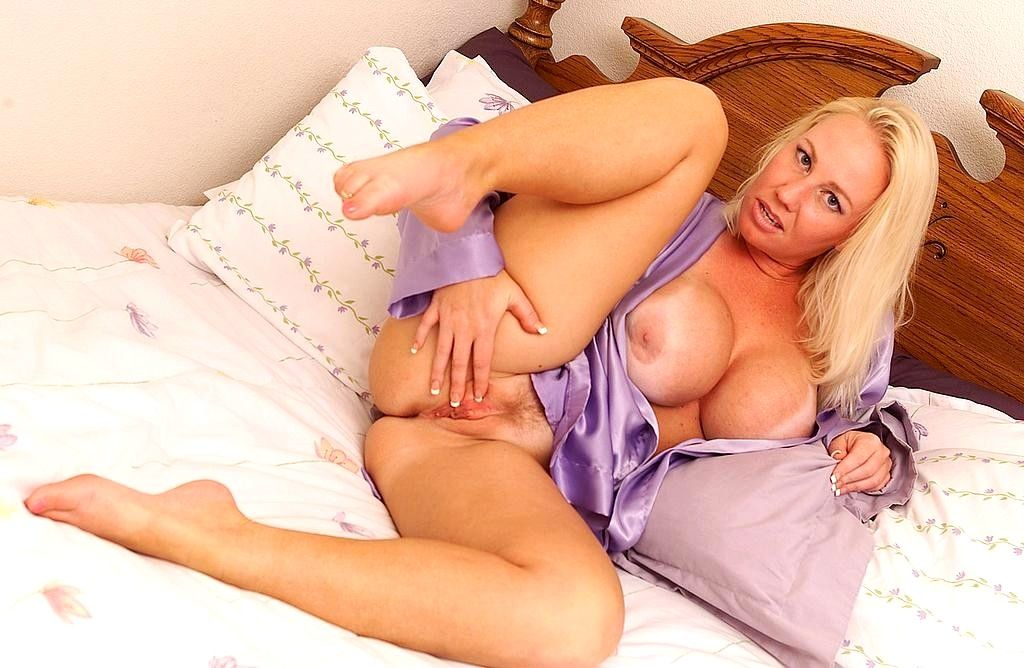 Mature blonde amsterdam hookers