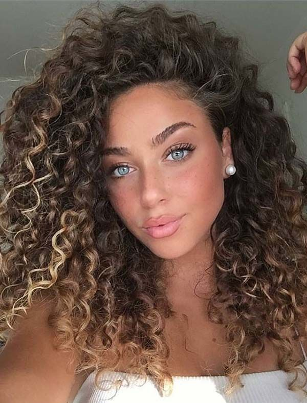 Adorable Curls Styles for Bold Ladies to Show Off in 2020