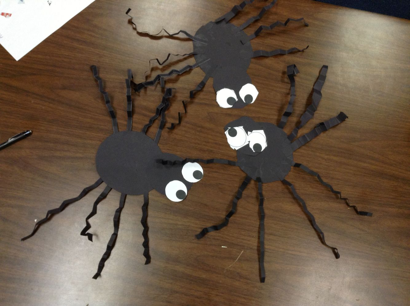 Easy spiders all construction paper and just folded the legs all construction paper and just folded the legs library eventshalloween projectsconstruction jeuxipadfo Choice Image