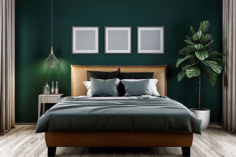 Tummanvihreä tuulinen makuuhuone. - in 2020 | Green ...