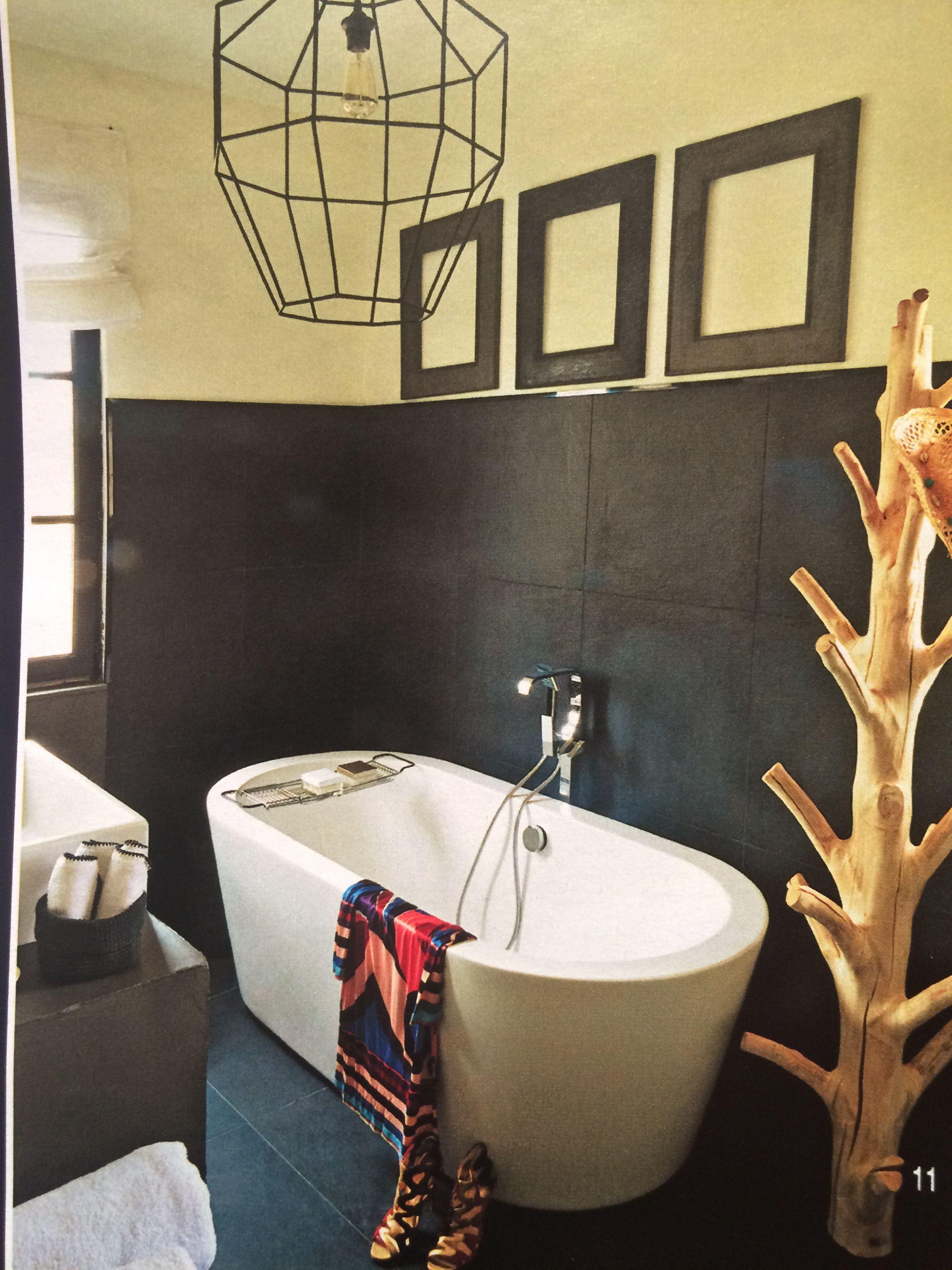 leuke kapstok voor in badkamer en lamp boerderij badkamer