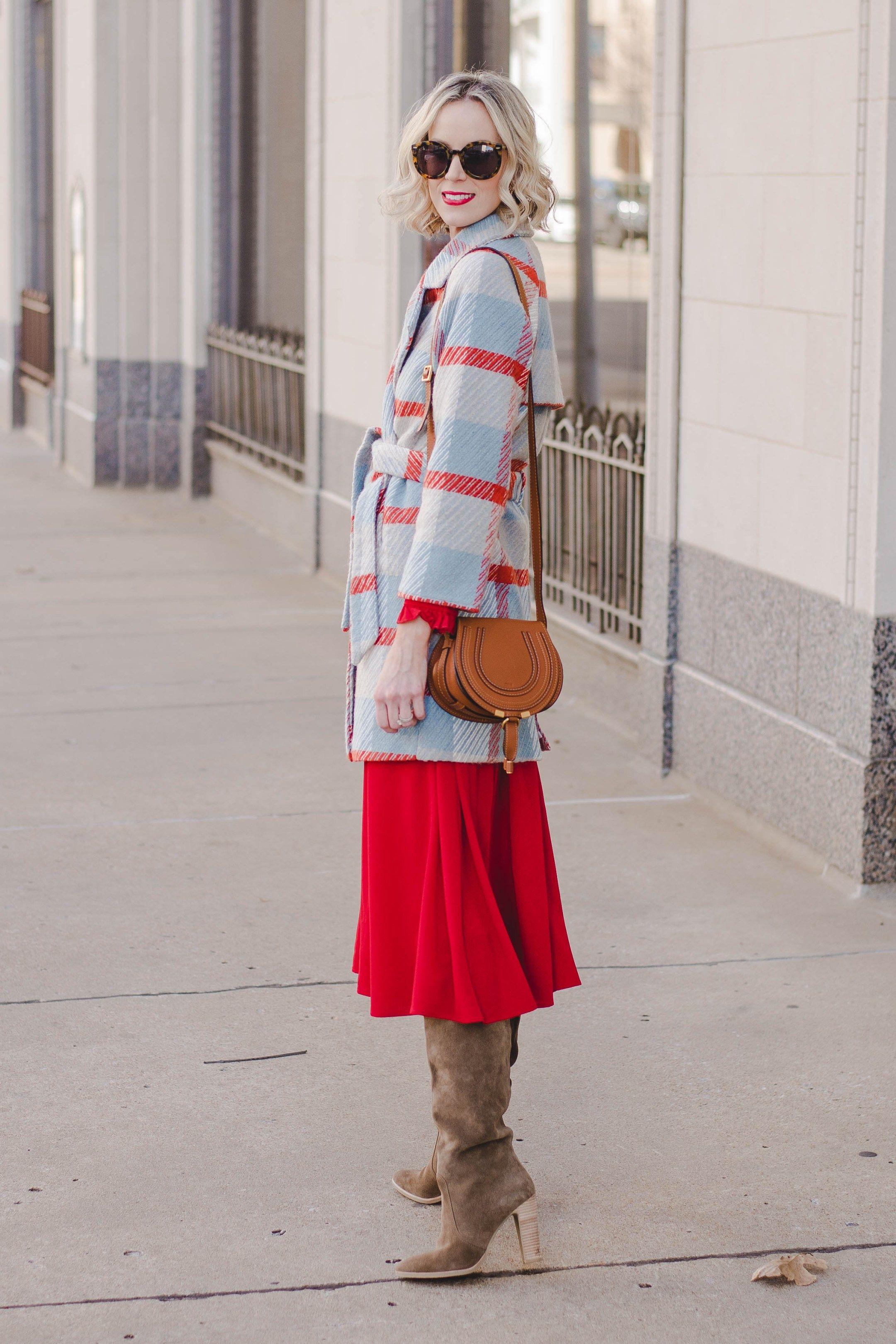 Red flannel around waist   Ways to Wear Red  Valentineus Day Outfit Ideas  Fashion bloggers