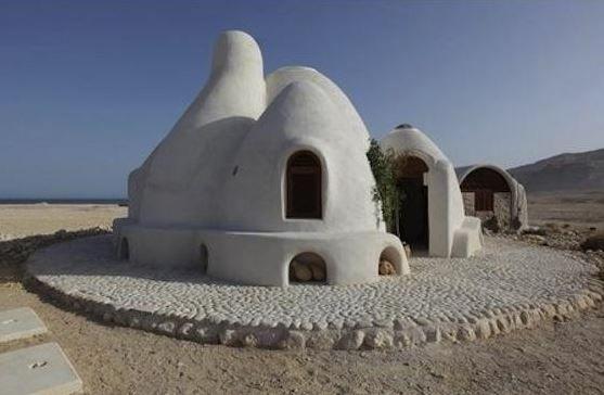 Ecodome Superadobe La Maison En Sac De Terre