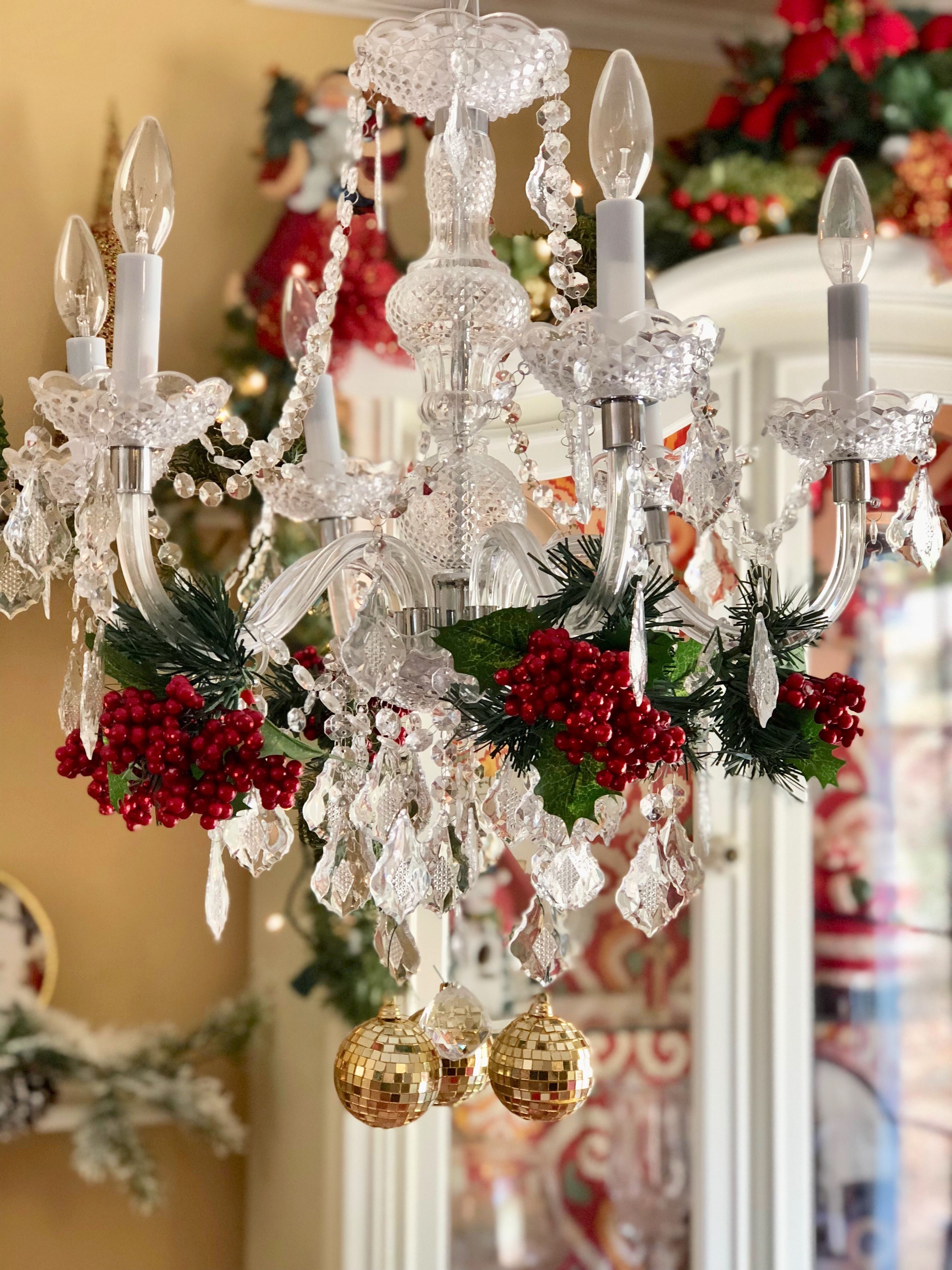 Stunning Holiday Decorating Ideas For Chandeliers Holiday Decor