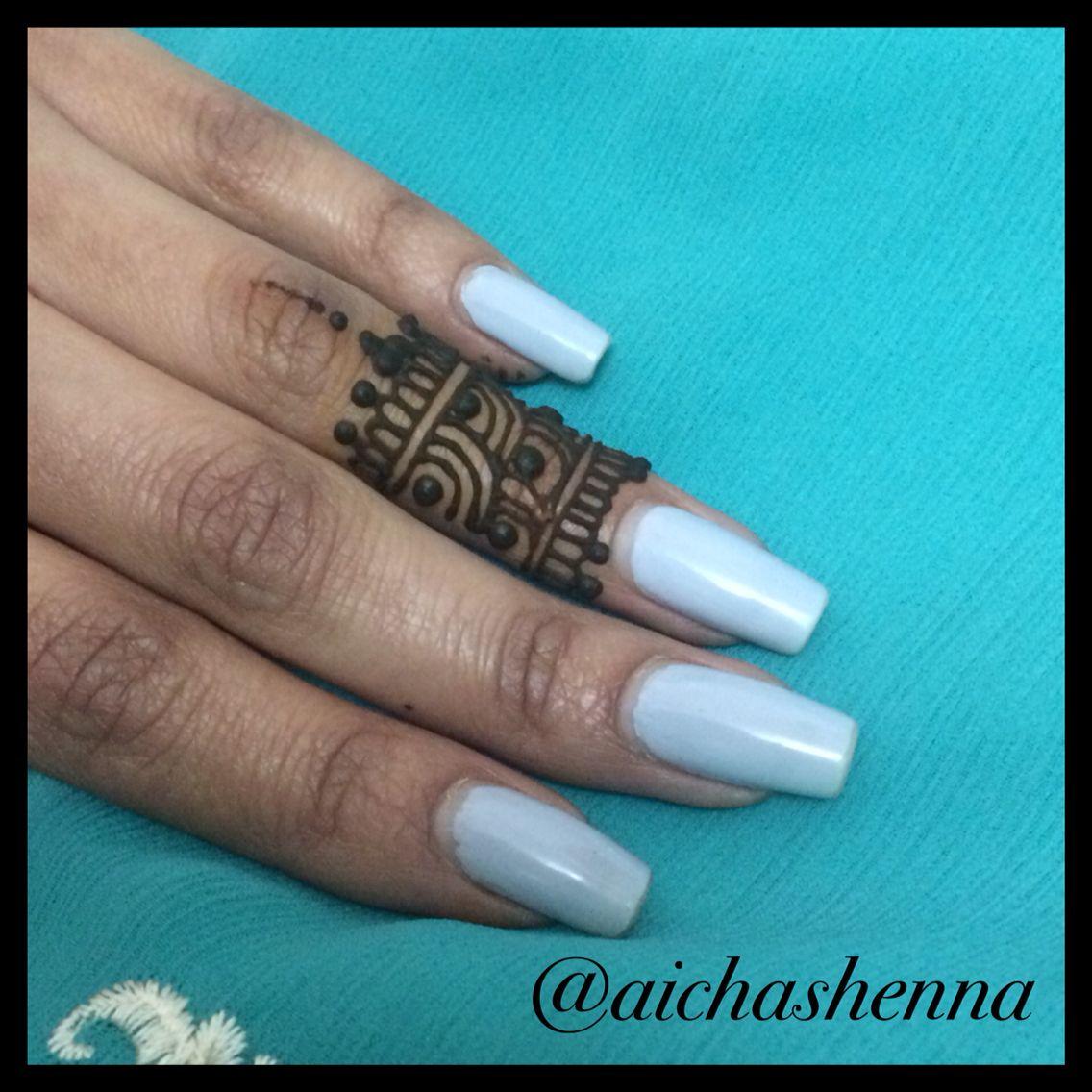Henna/Mehndi by #aichashenna #henna #hennaart #hennalove #hennaartist #hennadesign #Mehndi #mehndidesign #mehndiart #mehndilove #mehnditattoo #hennatattoo #menhdi #menhdidesign #simple #simpledesign #ring #ringdesign