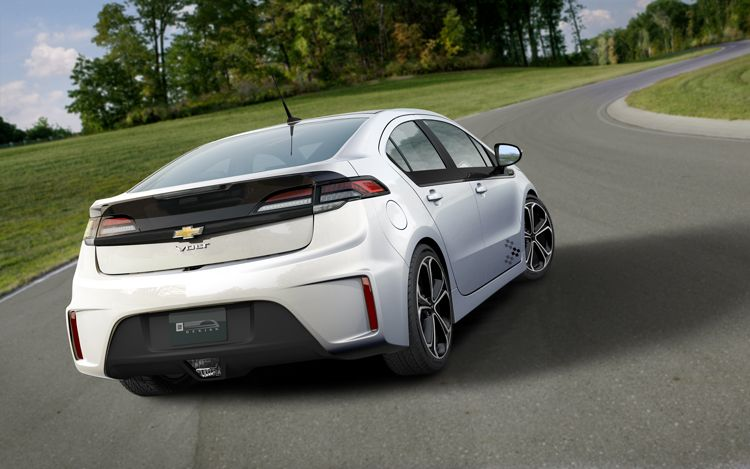 2013 Chevy Volt stretches out the electric miles works harder for