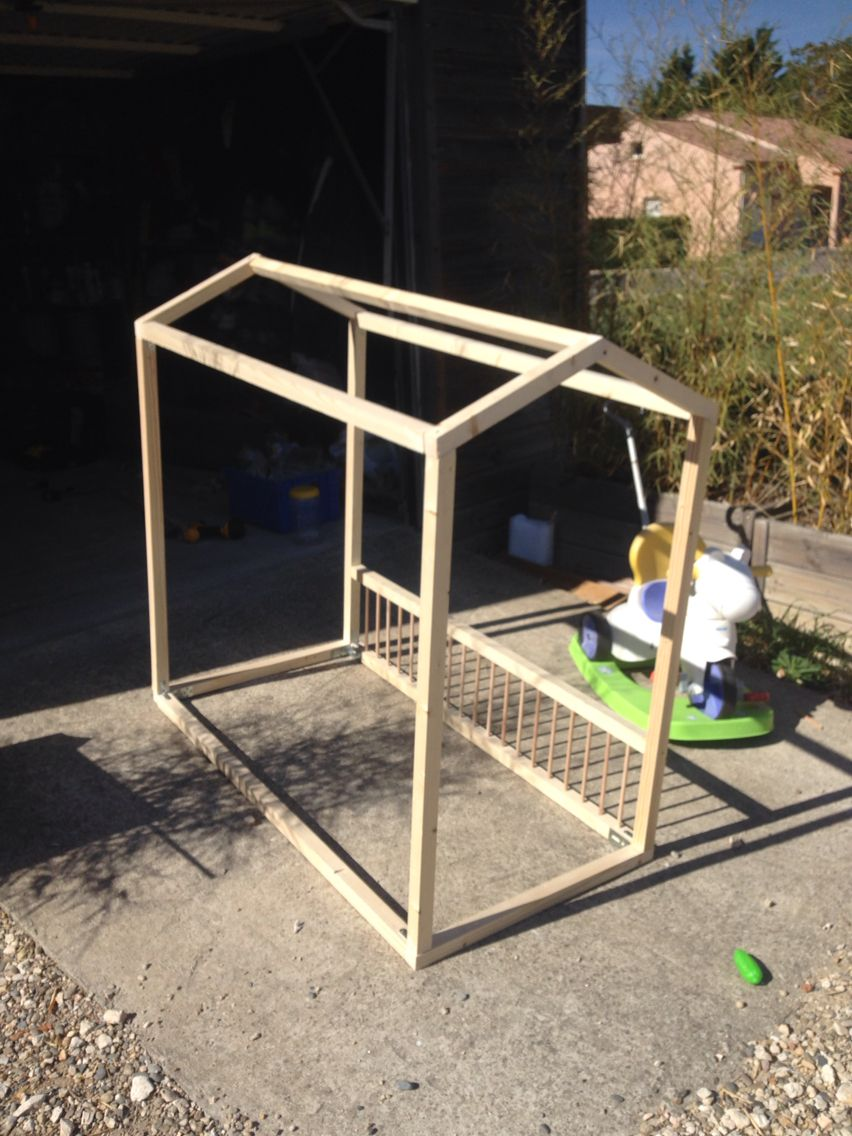 Construction Cabane Enfant destiné lit cabane enfant avec barreaux. construction facile et rapide
