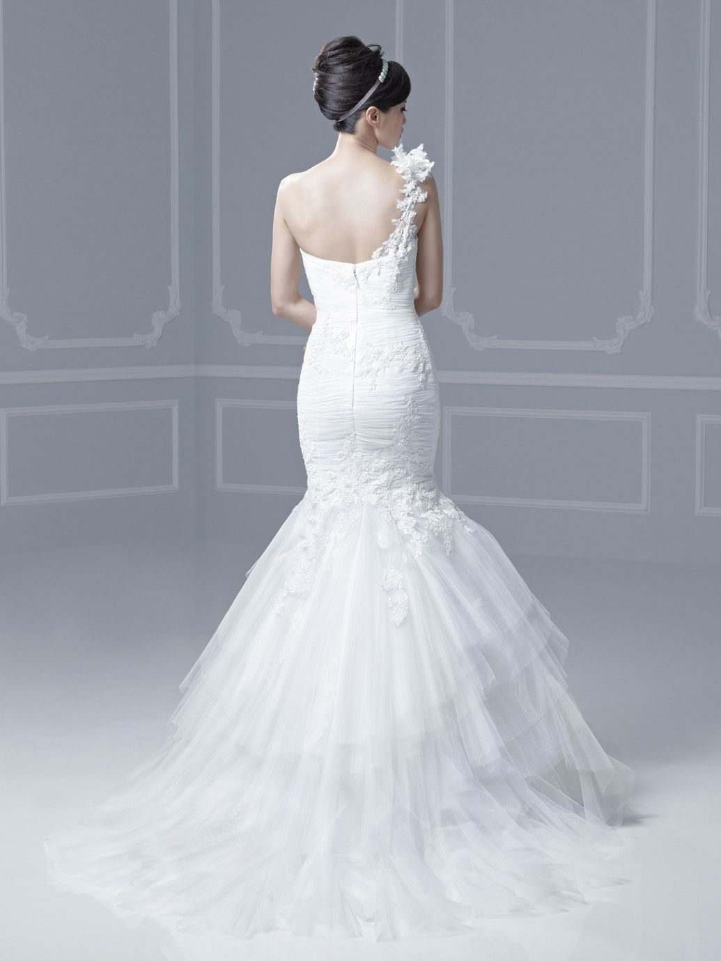 FERRARA / Blue Collection / Enzoani / Available Colours : Ivory ...