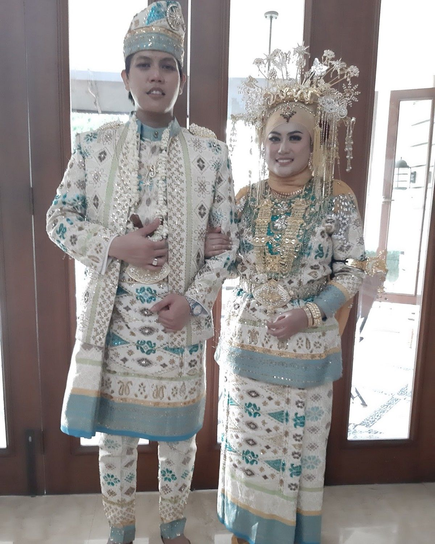 Gambar Pakaian Adat Riau