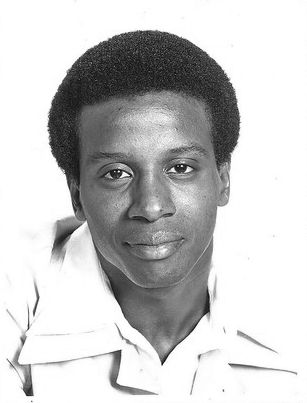 Lionel Jefferson Played By Damon Evans No Relation To Mike Evans The Jeffersons Black Sitcoms Mike Evans Famous Faces