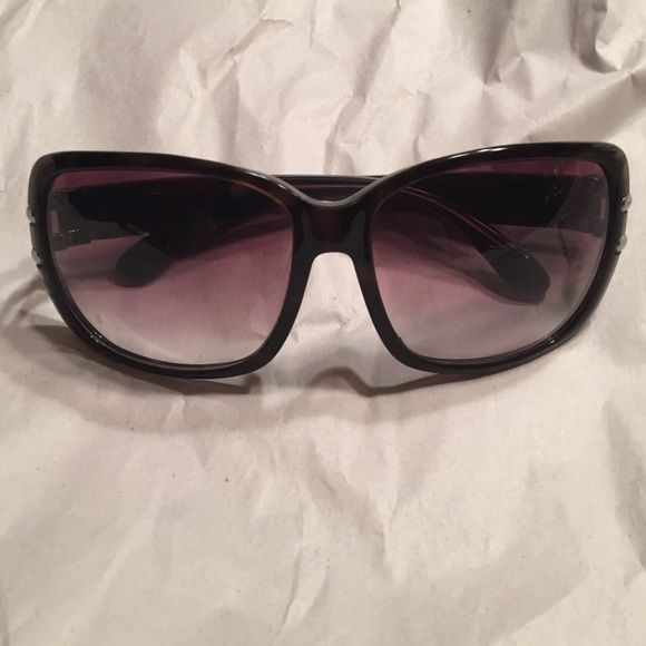 Marc by Marc Jacobs Subglasses MMJ 063/S ONE HOUR SALEDiscontinued style beautiful glasses light scratches on lenses and small scratch spot on inside lower right lens Dark Havana/ Charcoal color Marc by Marc Jacobs Accessories Sunglasses