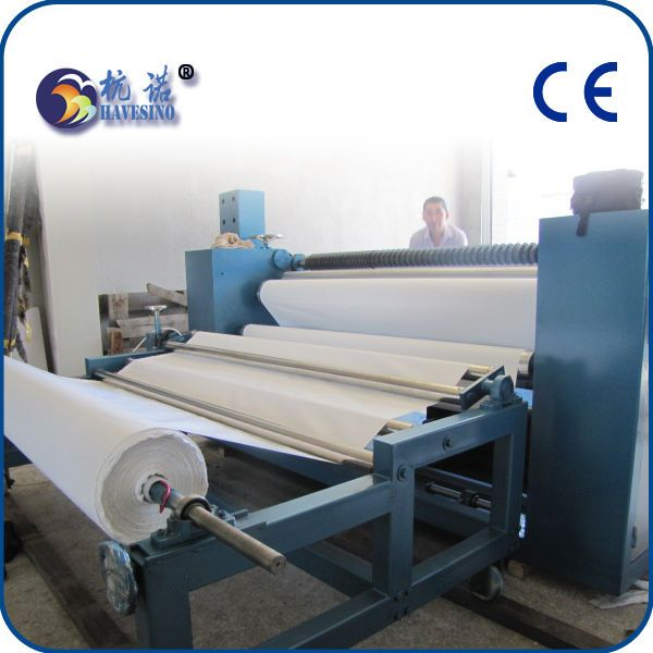 Cold blade slitting machine for textile labels