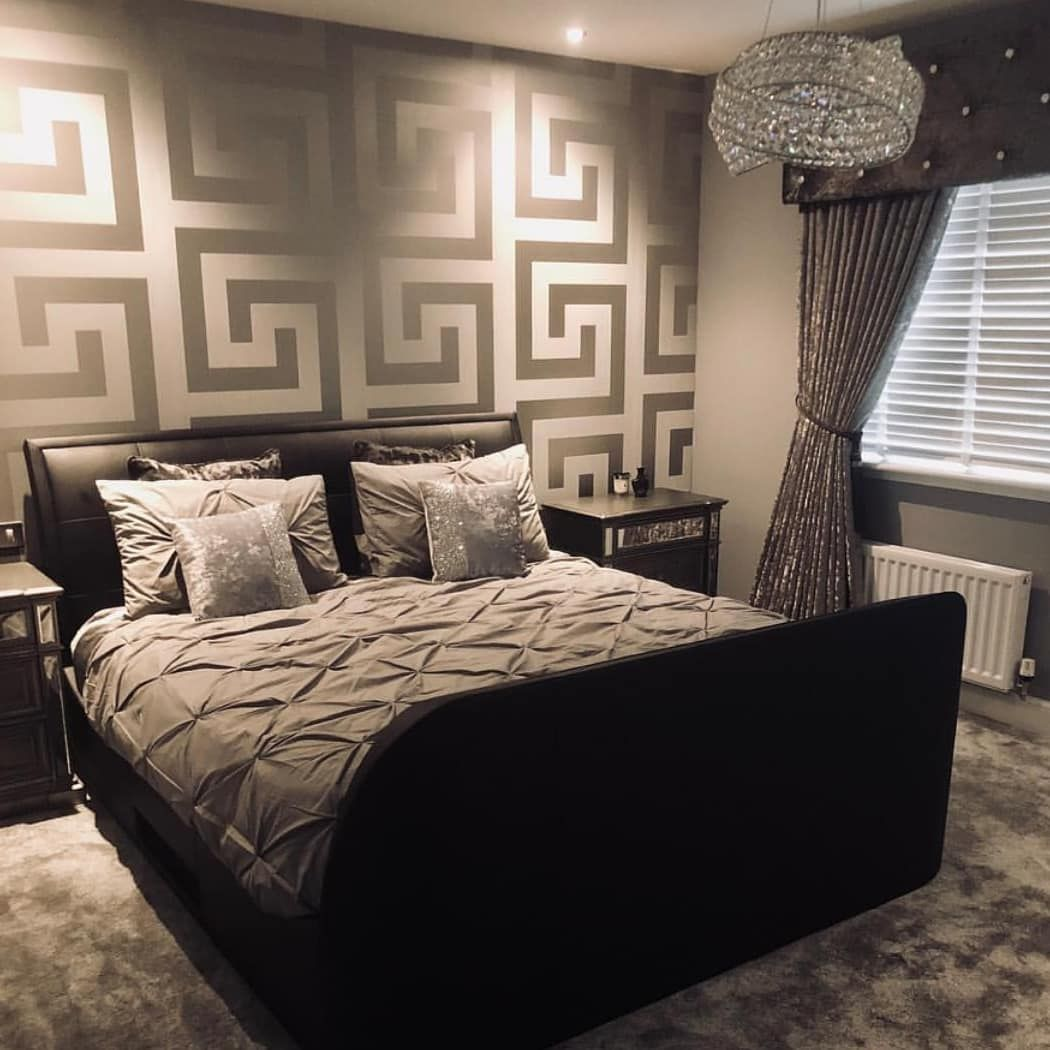 ow gorgeous is this Versace wallpaper in this stunning bedroom