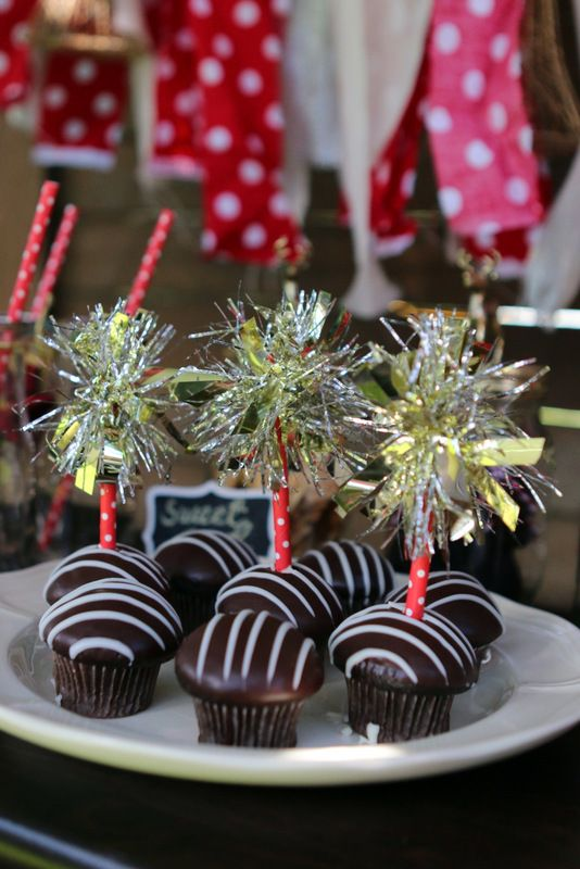 Mini chocolate cupcakes with tinsel cupcake toppers