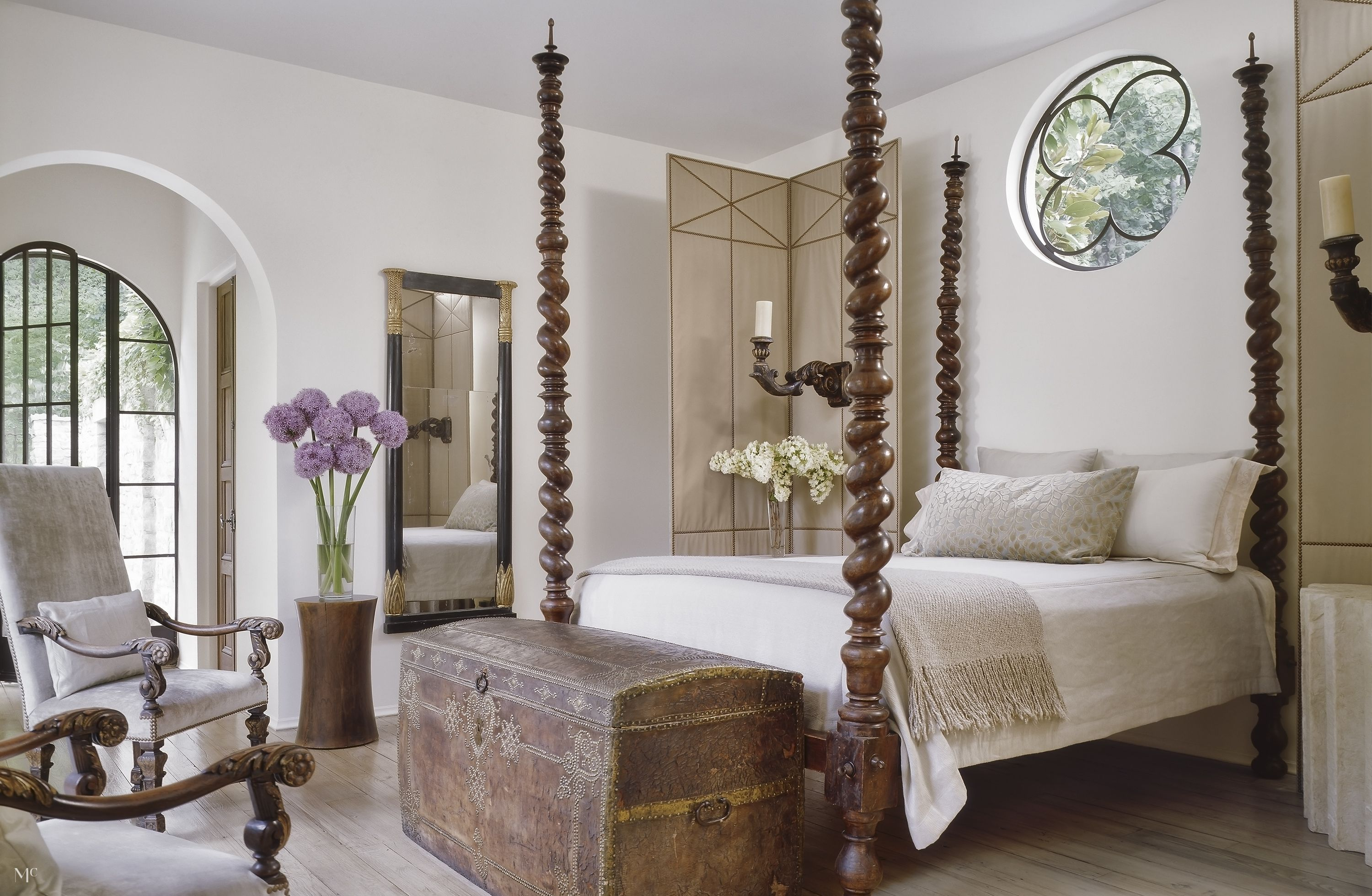 Classic Romance | Luxurious bedrooms, Bedroom sitting room ...