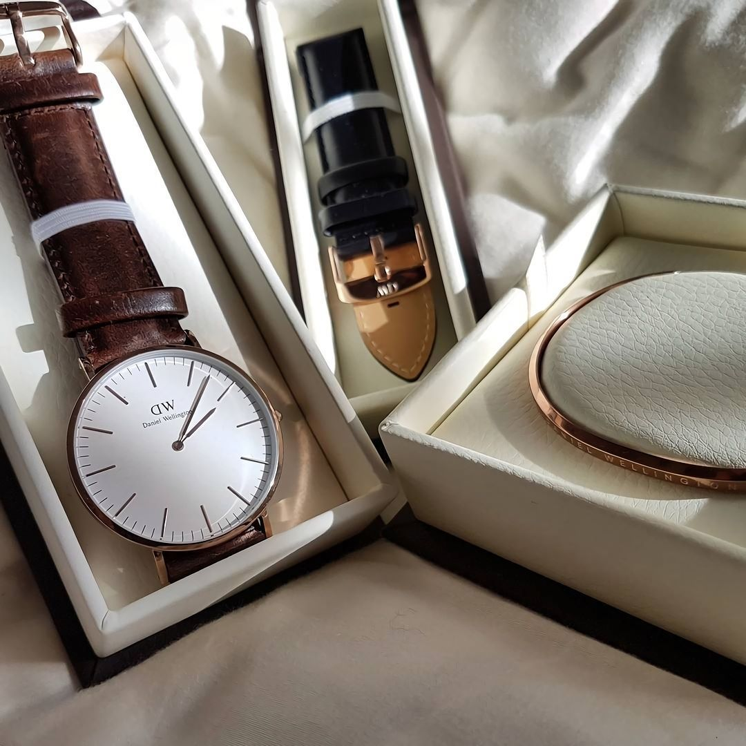 Daniel Wellington Classic Watch Watches Bristol Oconnell Find This Pin And More On Jual Jam Tangan