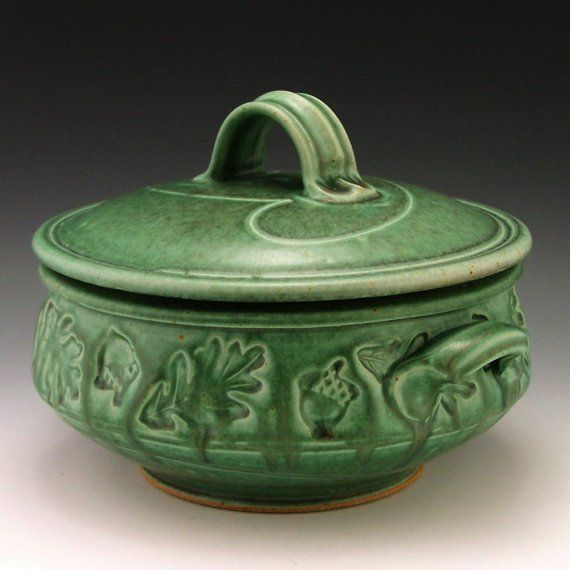 Woodland Stamp 2 Quart Casserole by baumanstoneware on Etsy