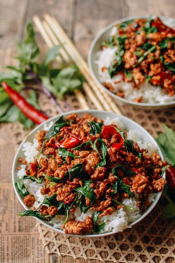Thai Basil Chicken (Easy Gai Pad Krapow) - Asian Food Recipes - #Asian #basil #Chicken #Easy #Food #...