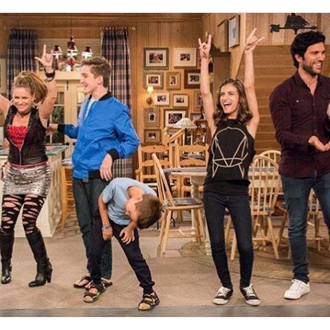 Fuller House Cast Bow Kimmy Jackson Max Ramona Fernando Fuller House Ramona Fuller House Full House Funny