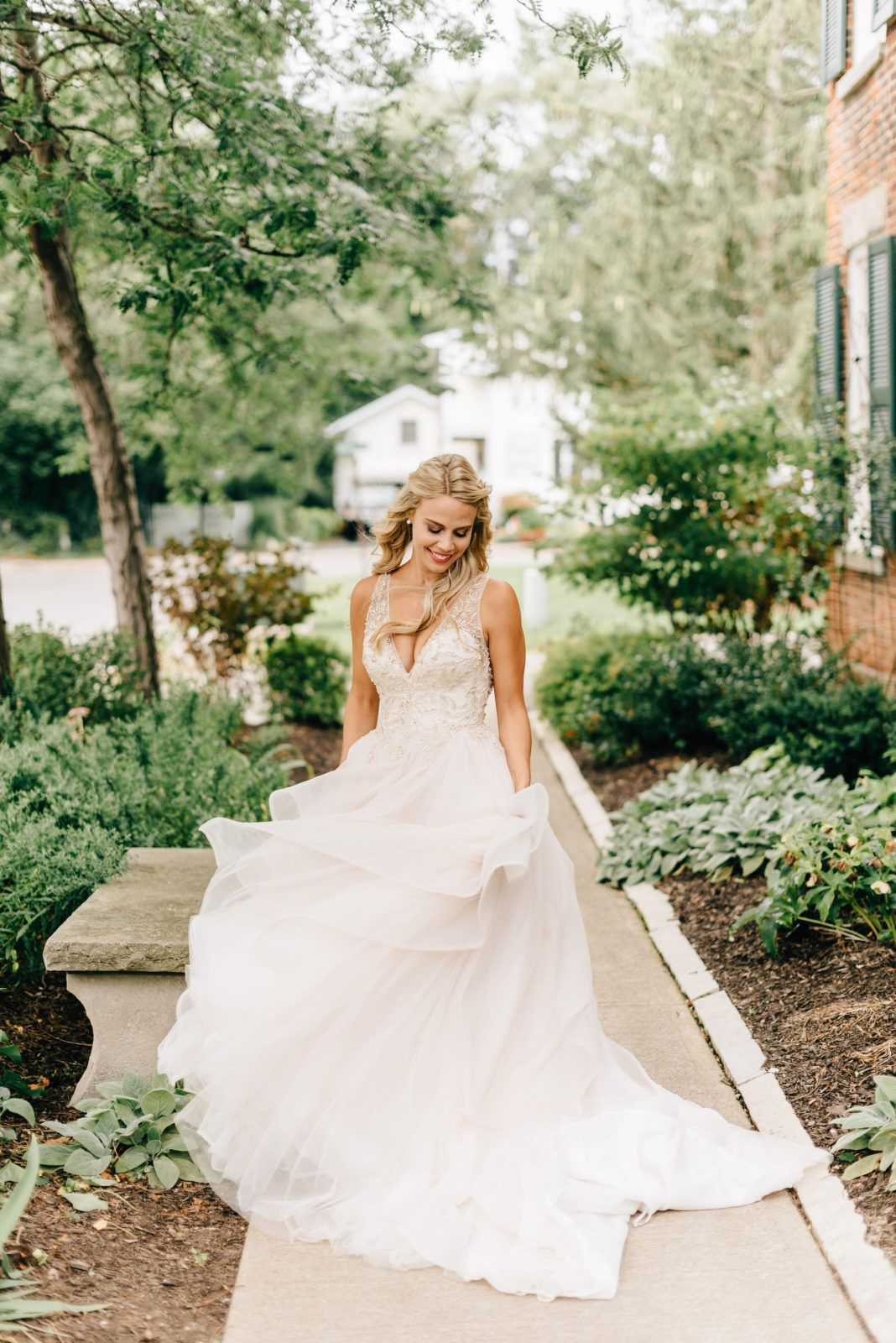 Gorgeous Bride In A Flowing Gown Vancouver Island Wedding