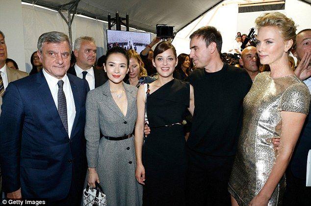 Backstage: (L-R) Dior CEO Sidney Toledano, actress Zhang Ziyi