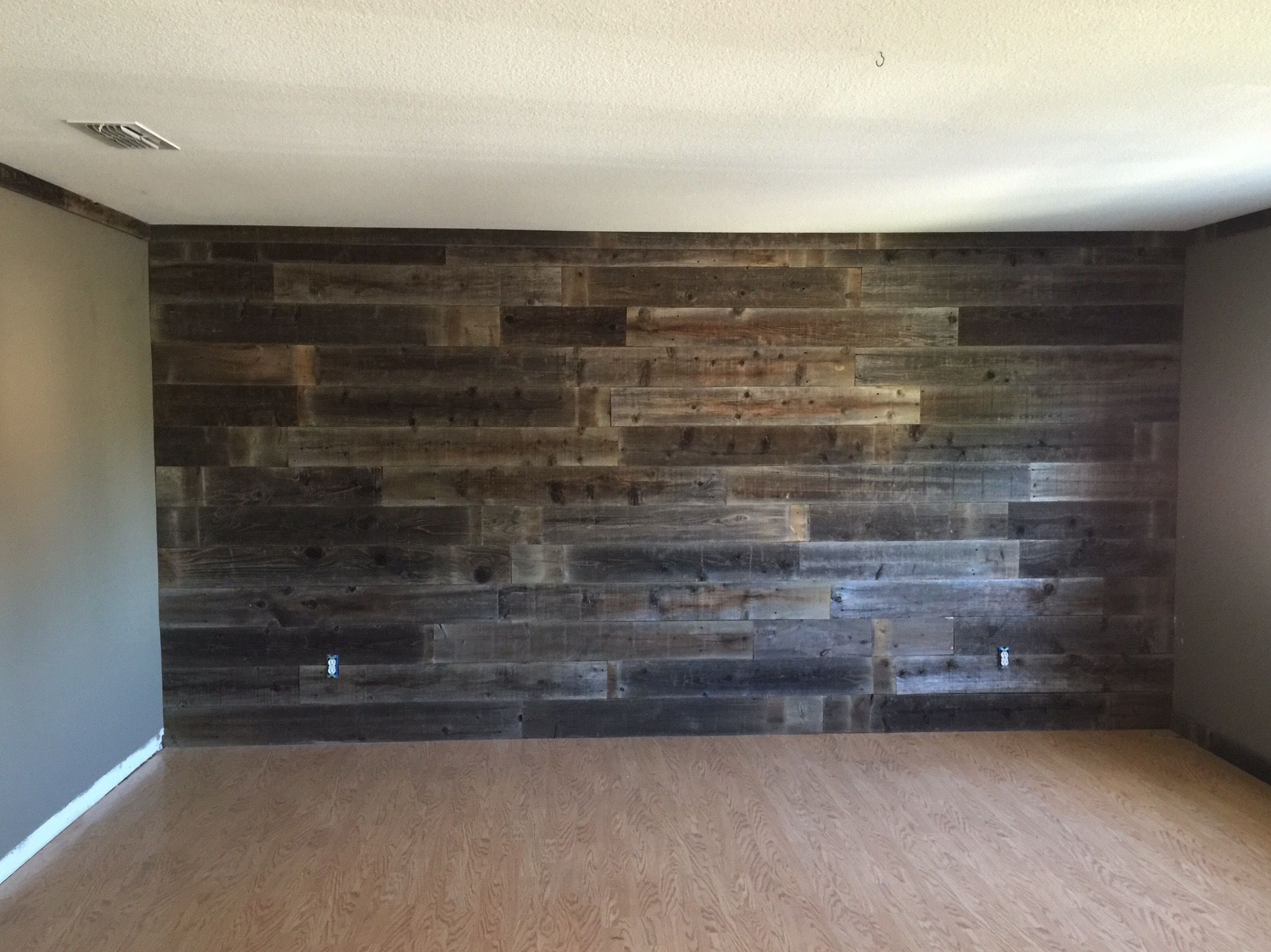 Accent Wall Using Reclaimed Wood For The Crown And Baseboards If Interested Pm Me At Www Facebook Barndoor Creations