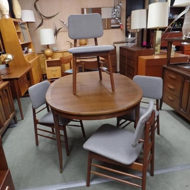 Set Of Four Mid Century Modern Dining Chairs By Greta Grossman For Glenn Of California Midcentury Modern Dining Chairs Dining Chairs Dining