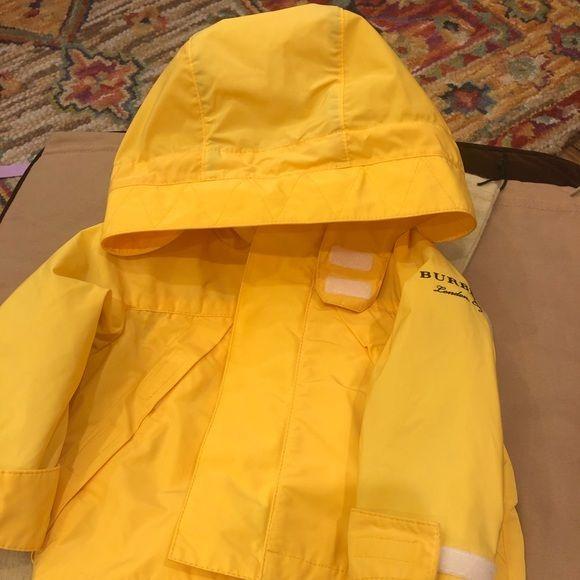 Children Burberry yeoman jacket 6 months