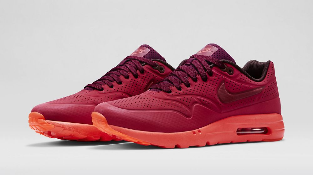 sale retailer af62b 658f5 ... denmark gym red nike air max 1 ultra moires with reflective accents  4cb85 cb685