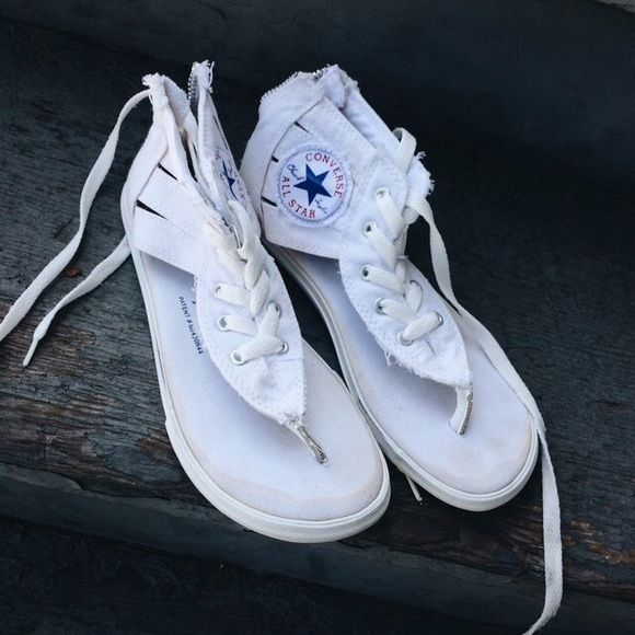 fd9f26f7f604 White Converse Sandals In fantastic condition. Size 6. Zip up in back. Converse  Shoes Sandals