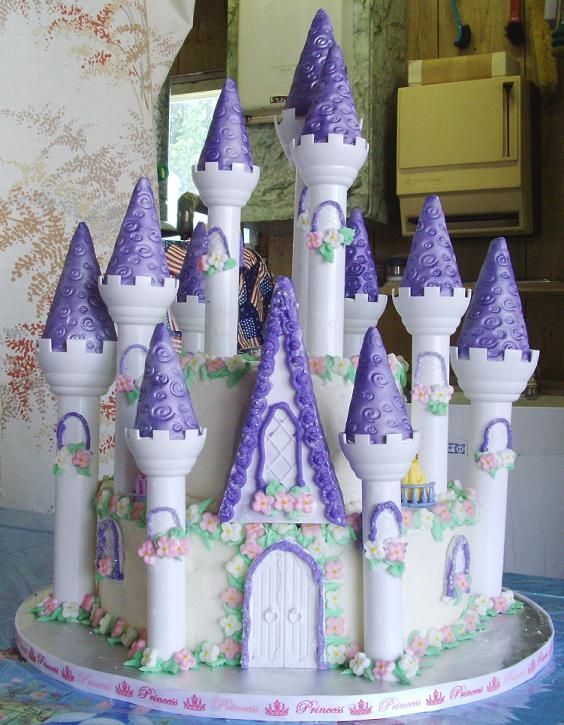 this is such an beautiful diy castle cake. | decadently sweet