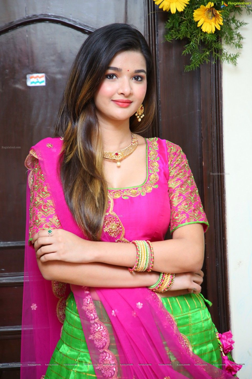 Good looking girls indian