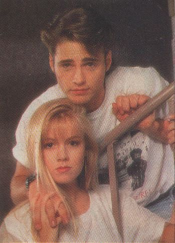 Brandon-and-Kelly-beverly-hills-90210-couples-17811365-349-483.jpg (349×483)