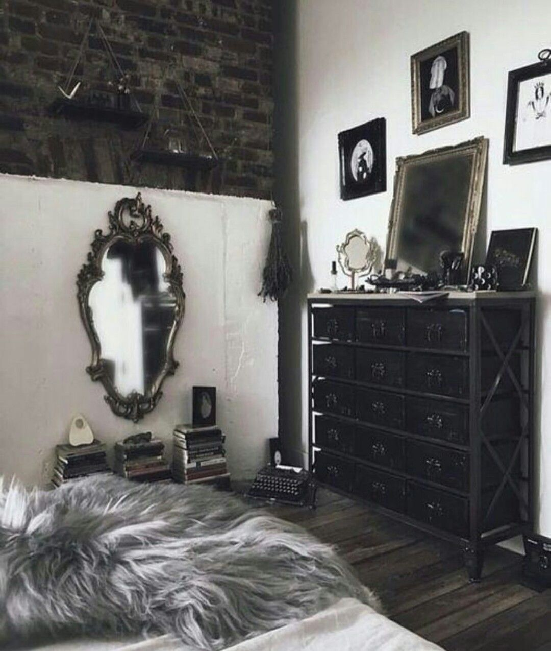 Goth Room In 2019 Gothic Bedroom Home Decor